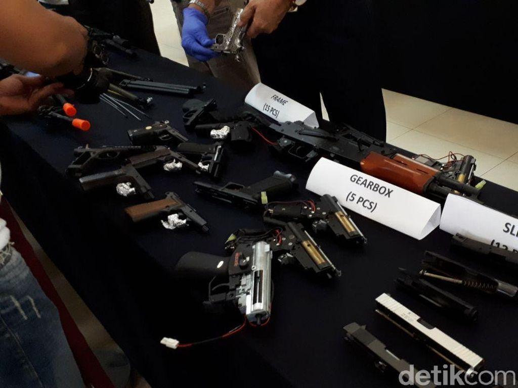 Polisi Usut Motif Pengiriman 109 Airsoft Gun dari Hong Kong