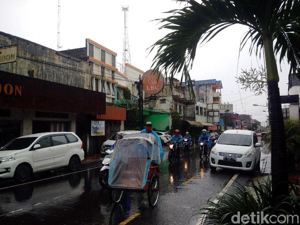 Hujan Lebat Guyur Yogya Hari Ini, Begini Penjelasan BMKG