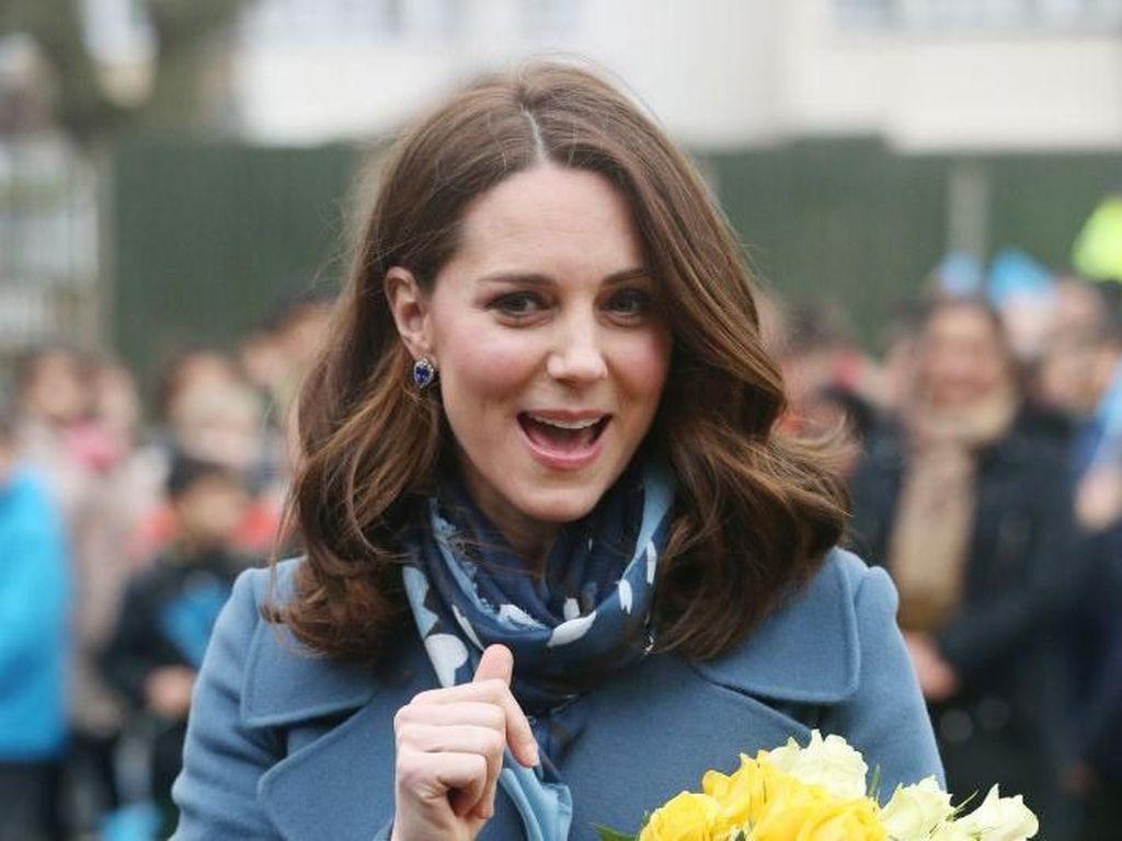Butuh Sisir Sebanyak Ini untuk Membuat Kate Middleton Cantik