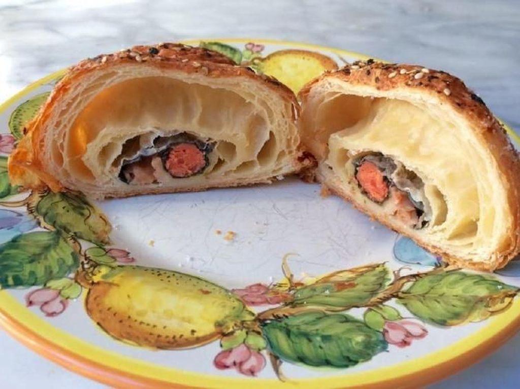 Ini Crosushi, Croissant yang Isinya Sushi