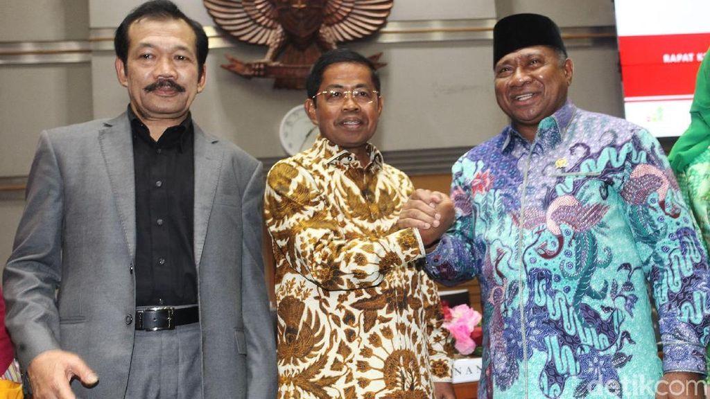 Mensos Idrus Rapat Perdana dengan Komisi VIII DPR