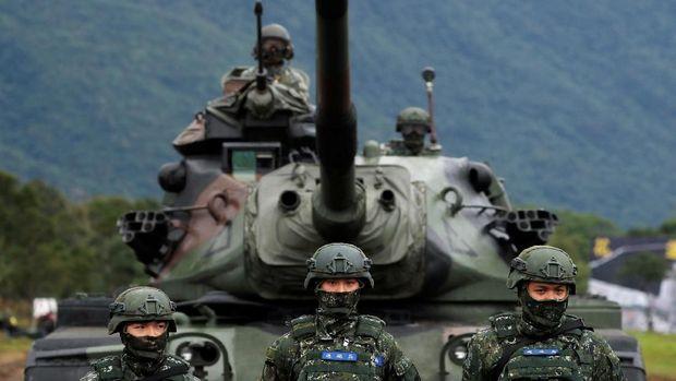 Tentara Taiwan dalam sebuah latihan perang.