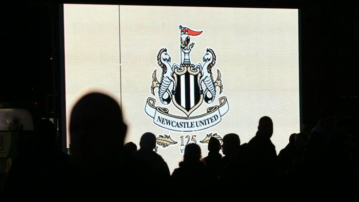 NEWCASTLE UPON TYNE, ENGLAND - DECEMBER 09: Fans are seen arriving prior to he Premier League match between Newcastle United and Leicester City at St. James Park on December 9, 2017 in Newcastle upon Tyne, England.  (Photo by Jan Kruger/Getty Images)