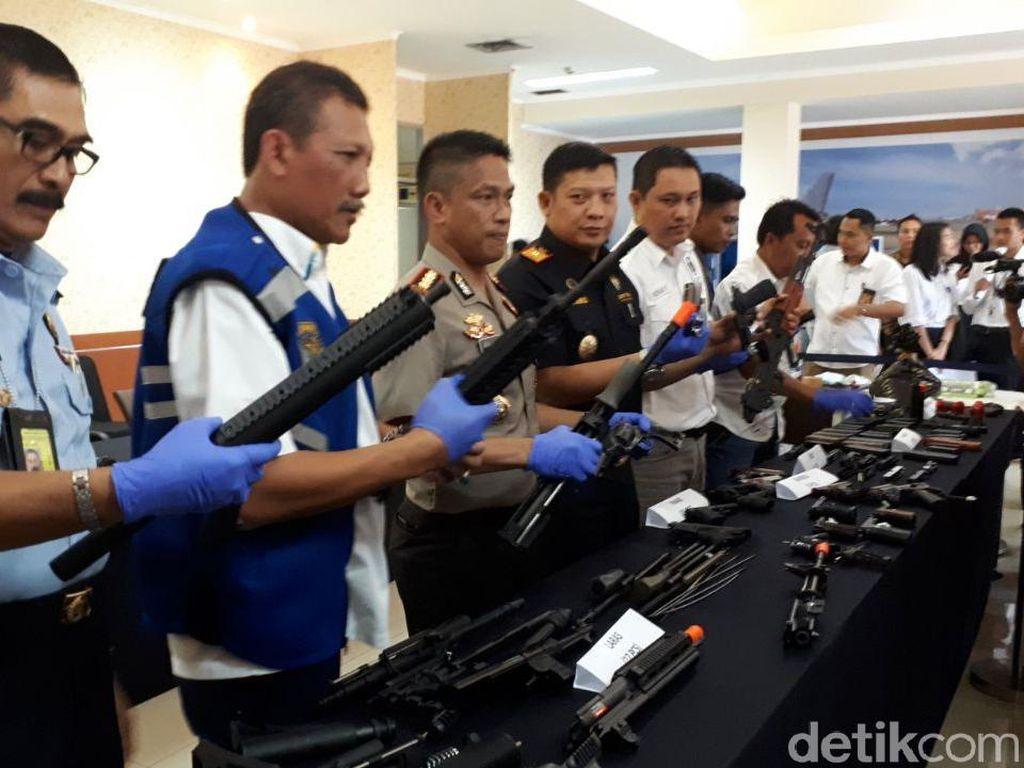 Tak Ada Izin, 109 Airsoft Gun dari Hongkong Disita di Soekarno-Hatta