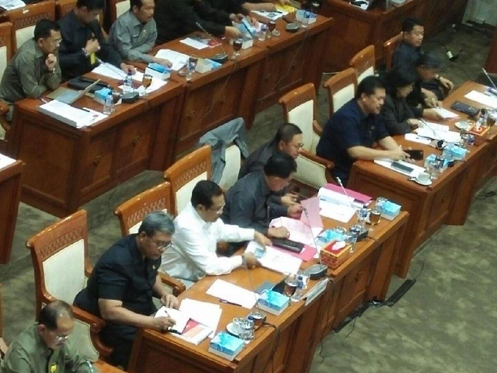 Bahas Kinerja Kejagung, Komisi III Rapat dengan Jaksa Agung di DPR