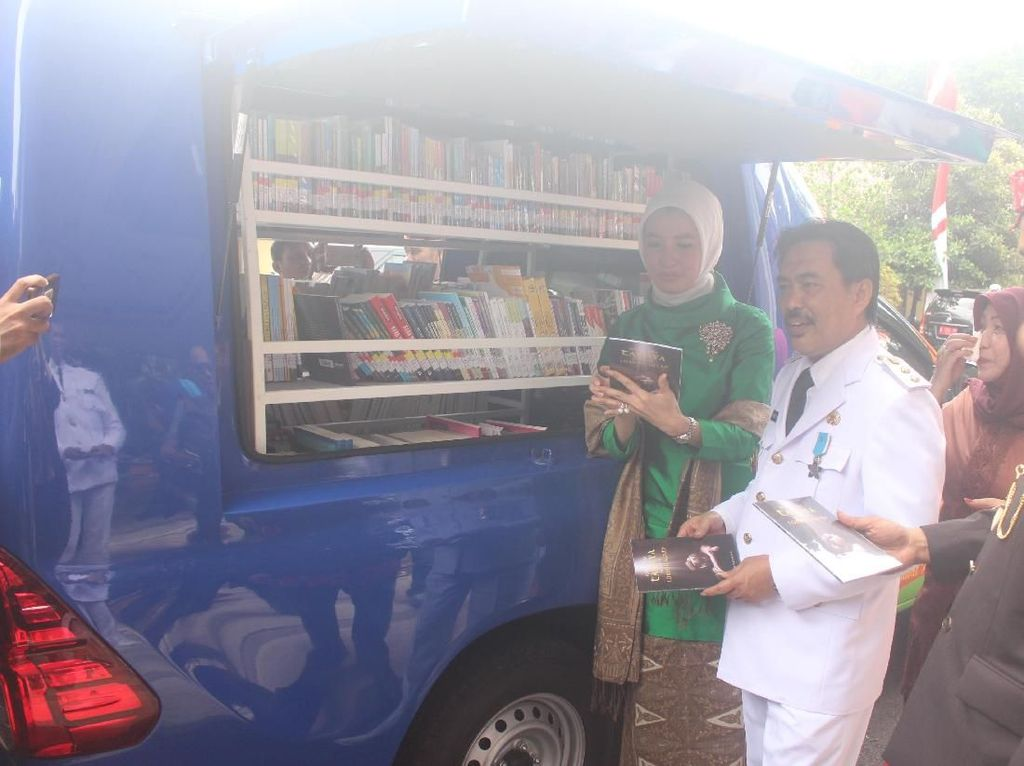 Dapat Bantuan, Sidoarjo Kini Punya 4 Mobil Perpustakaan Keliling