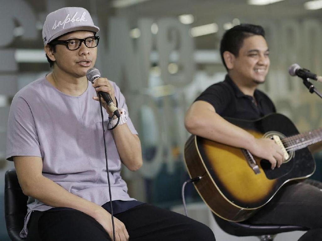 Akustikan Bareng Armand Maulana di Main Stage detikHOT