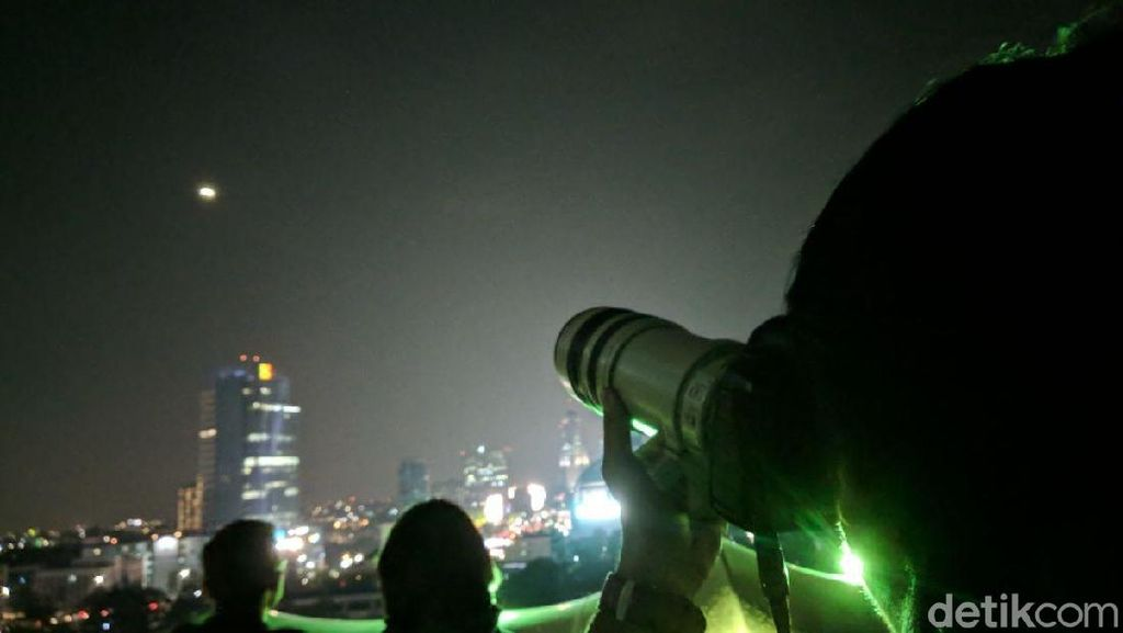 Melihat Kembali Potret Gerhana Bulan Saat Menyapa Indonesia