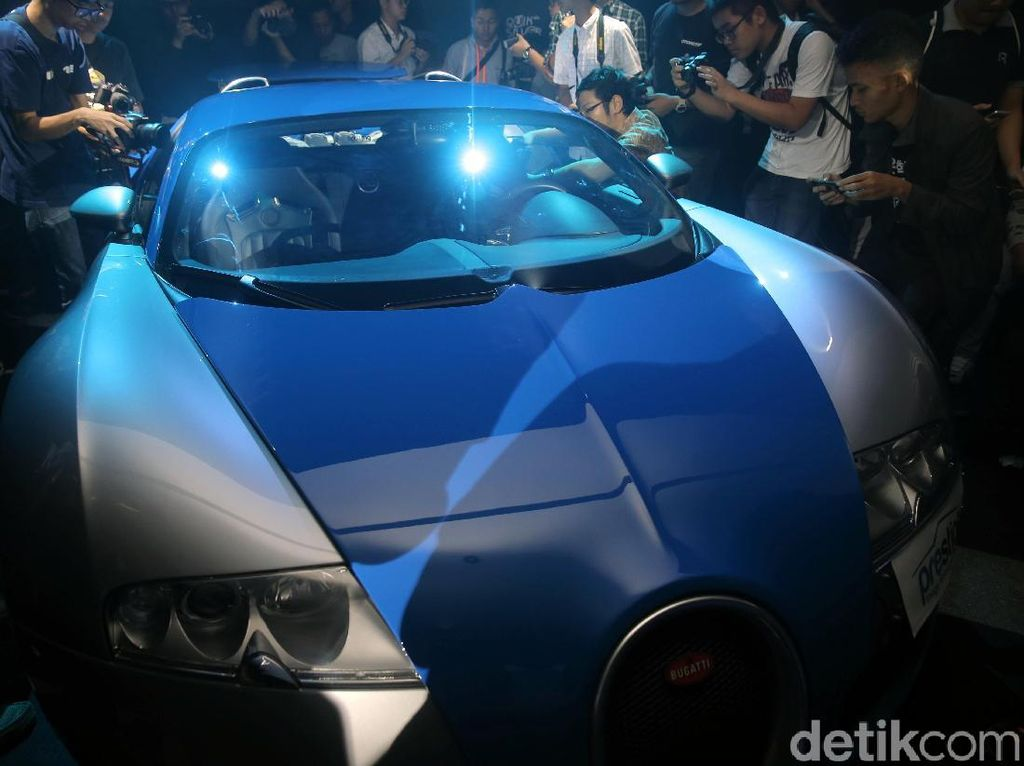 Foto: Keren! Bugatti Veyron 16.4 Mendarat di Indonesia