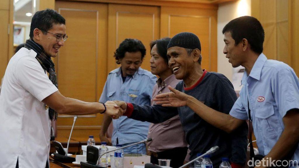 Sandi Temui Perwakilan Sopir Angkot di Balai Kota