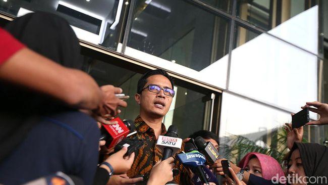 OTT Lampung Tengah, KPK Temukan Uang Rp 1 M dalam Kardus