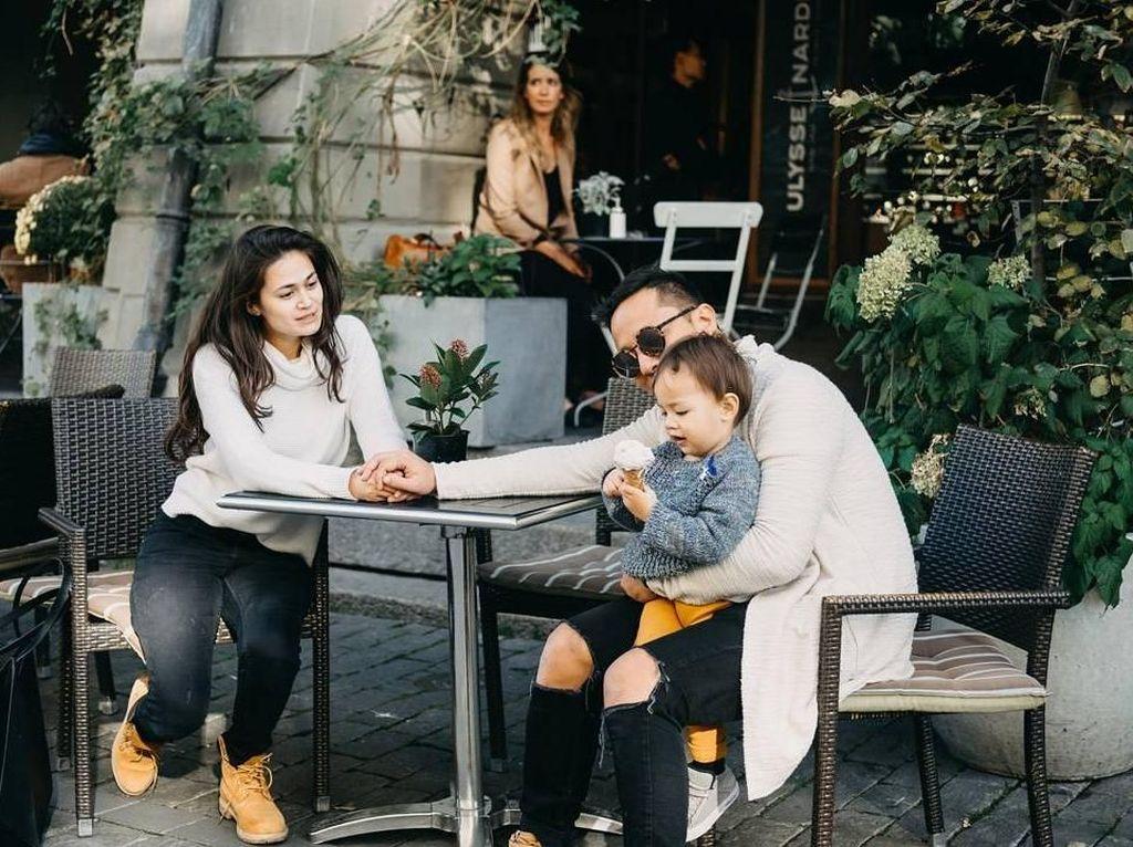 Seru Banget Potret Keluarga Ringgo Agus Bersama Makanan