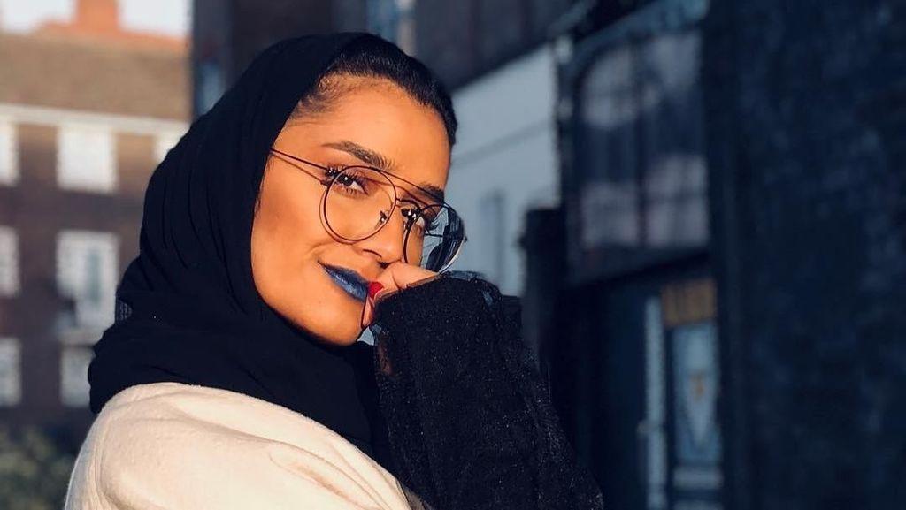 Foto: Mthayel Al Ali, Hijabers Arab Cantik yang Digandeng Nike