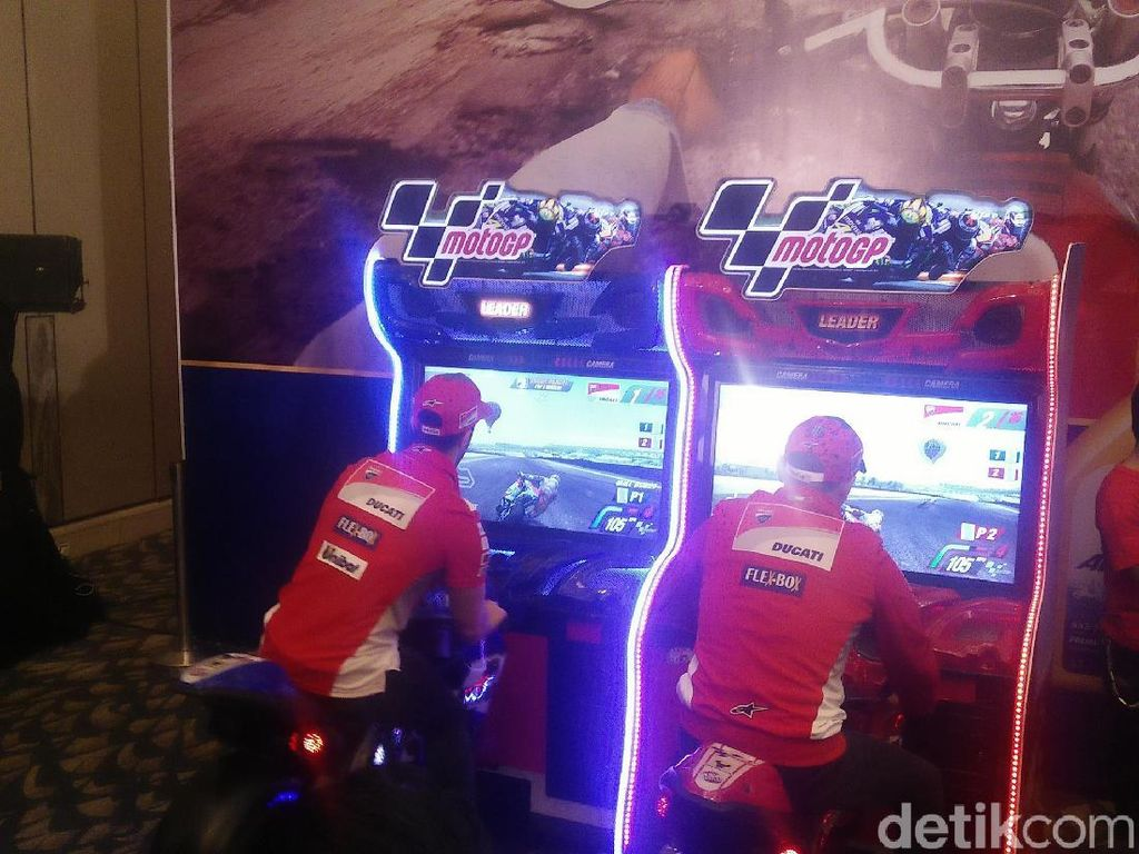 Dovizioso dan Lorenzo Balapan di Jakarta