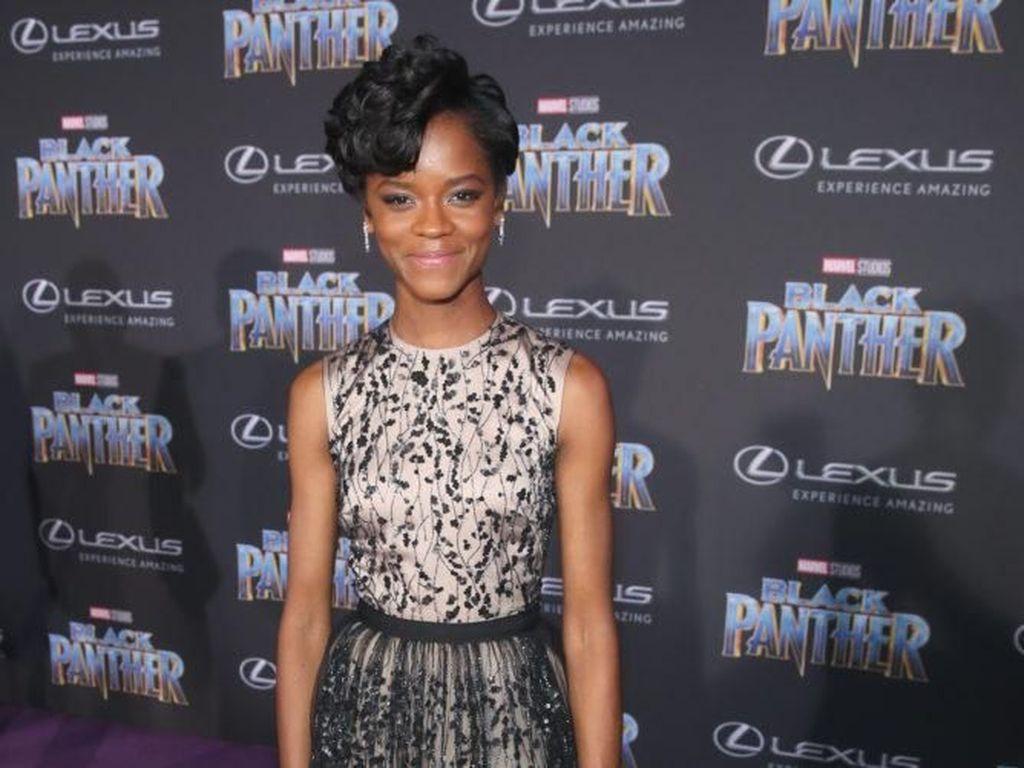 African Royalty, 8 Gaya Kerajaan ala Pemain Film Black Panther