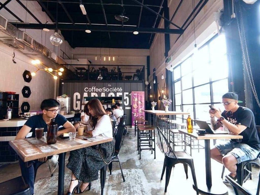 Kafe Populer Ini Punya Magic Lemonade dan Frakeshake yang Trendy