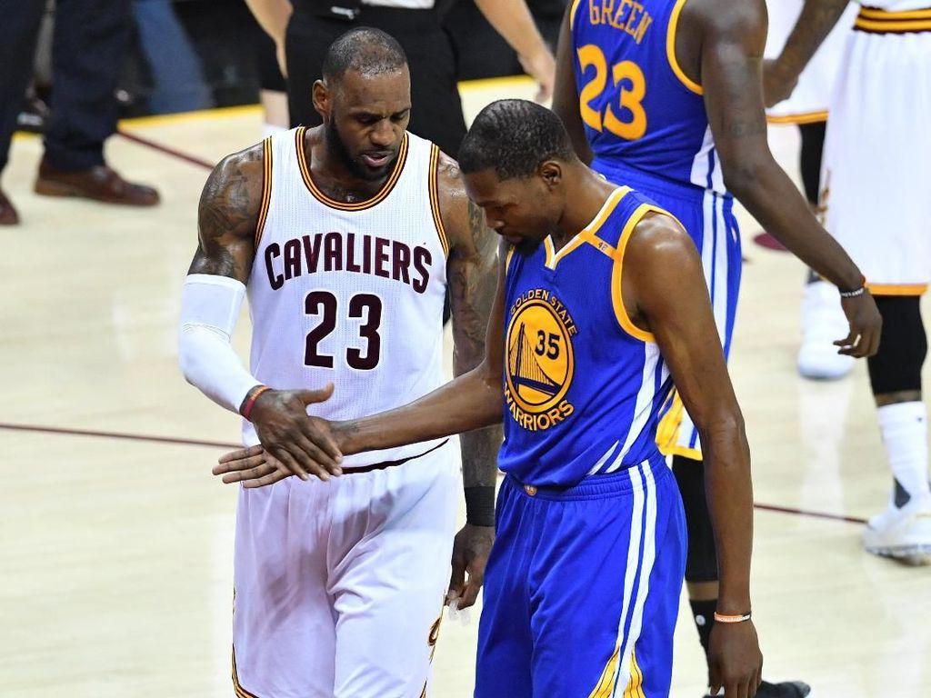 Terkait Rumor LeBron ke Warriors, Durant: Apapun Bisa Terjadi