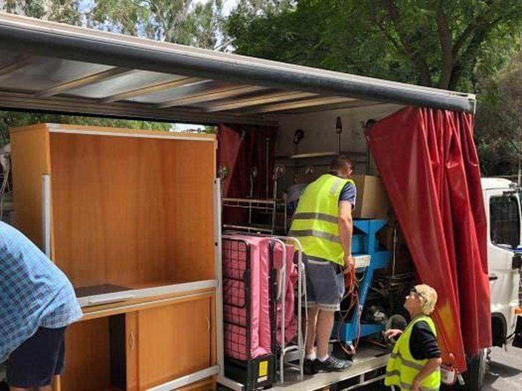 Peralatan Lama RS Adelaide Disumbangkan ke 24 Negara