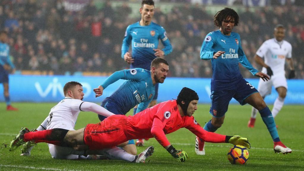 Tentang Jersey Biru Arsenal untuk Menjamu Ostersunds