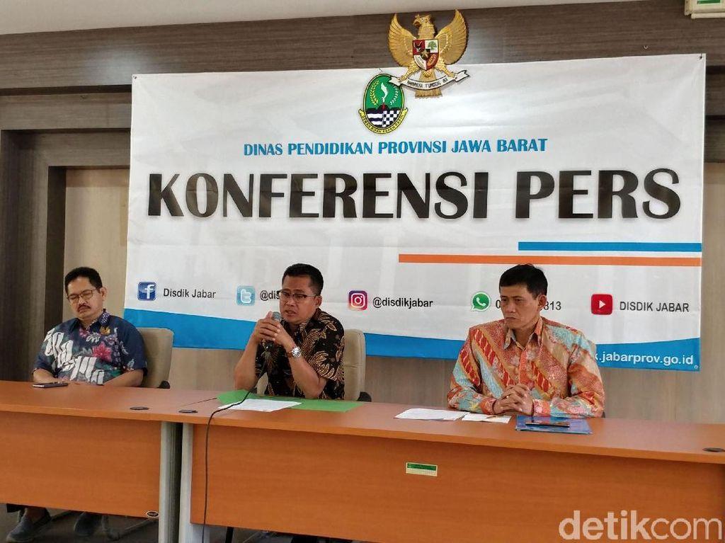 Pemprov Jabar Naikkan Tunjangan dan Honor Guru SMA