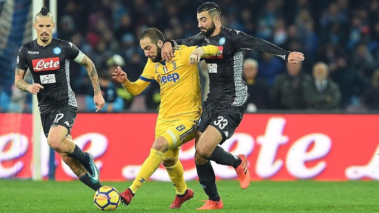 Zola: Scudetto Akan Ditentukan di Laga Juve vs Napoli