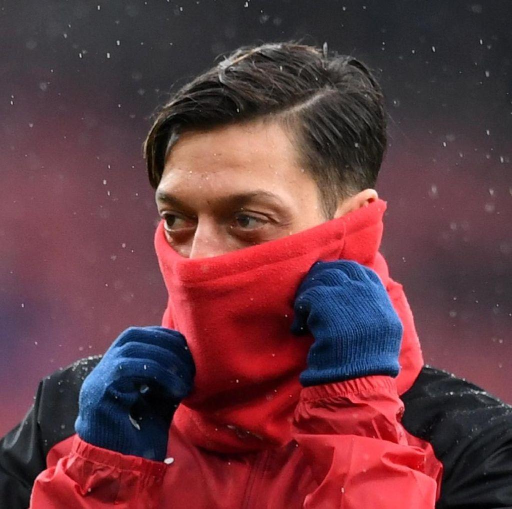 Melawan Ostersunds, Wenger Akan Mainkan Oezil