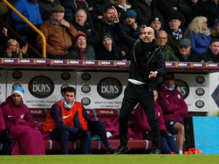 Soccer Football - Premier League - Burnley vs Manchester City - Turf Moor, Burnley, Britain - February 3, 2018   Manchester City manager Pep Guardiola gestures   REUTERS/Andrew Yates    EDITORIAL USE ONLY. No use with unauthorized audio, video, data, fixture lists, club/league logos or