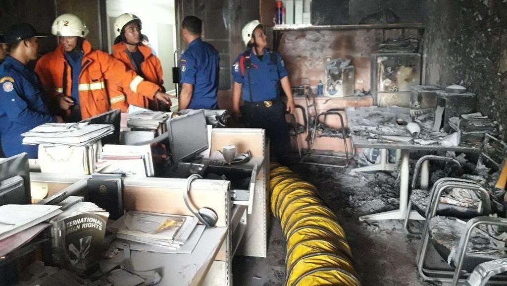 Potret Ruangan di Gedung DPR yang Hangus Terbakar