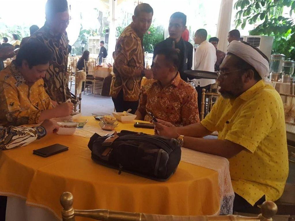 Dapat SK Menkumham, Golkar Gelar Syukuran di Rumah Airlangga