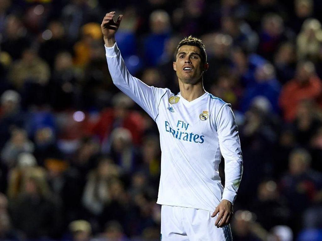 Ronaldo ke Juru Kamera: Jangan Sorot Aku, Fokus ke Pertandingan Saja