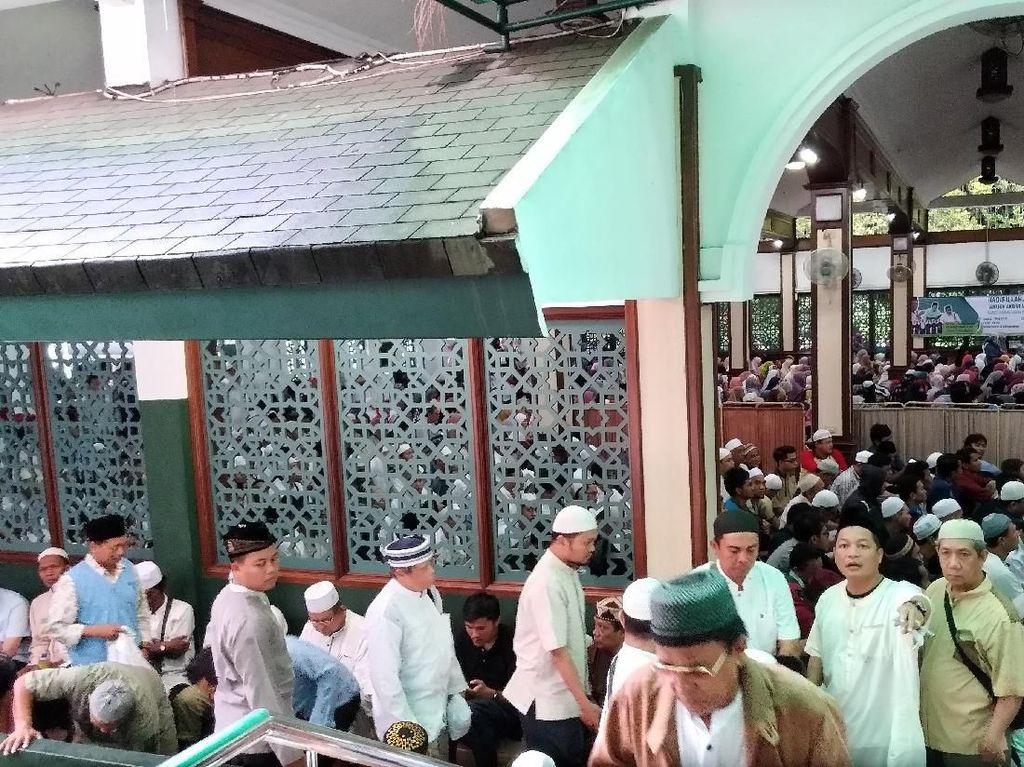 Ceramah Ustaz Somad, Jemaah Padati Masjid Sunda Kelapa