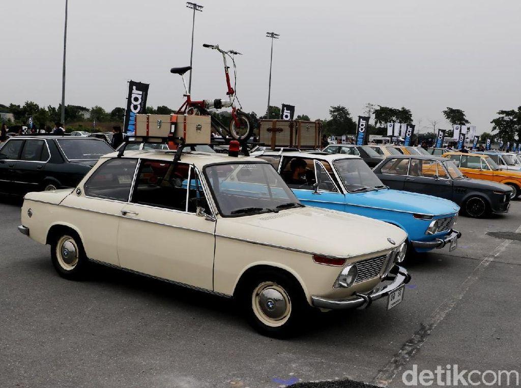 Ratusan BMW dari Generasi ke Generasi Tumpah Ruah di Bangkok