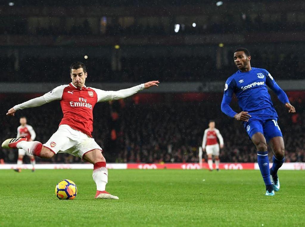 Hat-trick Assist Mkhitaryan untuk Arsenal