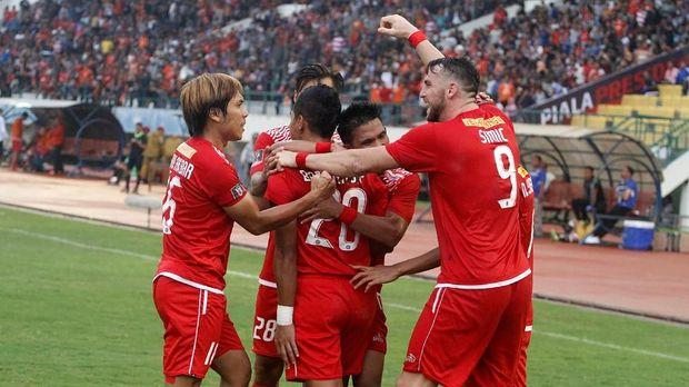 Marko Simic (kanan) sudah mencetak sembilan gol di Piala Presiden 2018.