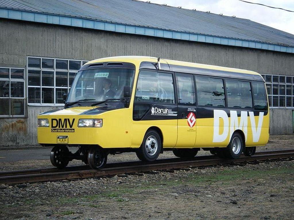 Bikin Melotot, Bus Ini Bisa Keluar Itunya