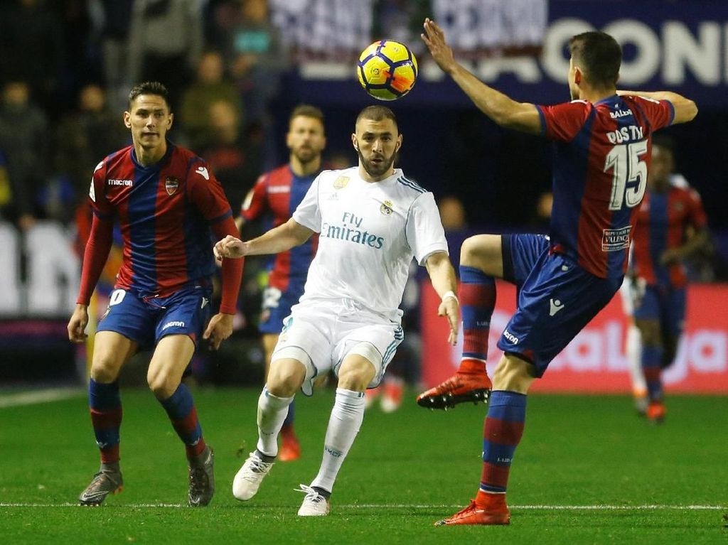 Madrid Diimbangi Levante 2-2