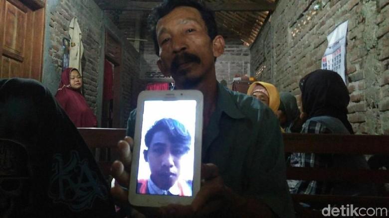 Dua Warga Purworejo Menjadi Korban Crane Ambruk di Jatinegara