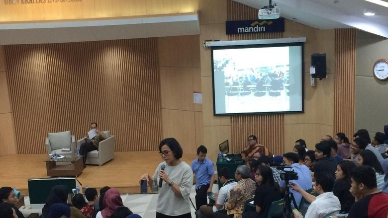 Sri Mulyani Sindir Mahasiswa yang Beri Kartu Kuning ke Jokowi