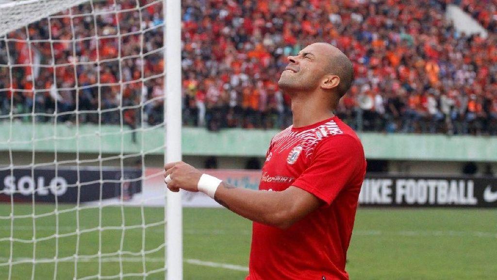 Persija Sebut Banyak Klub Ingin Pinjam Ivan Carlos