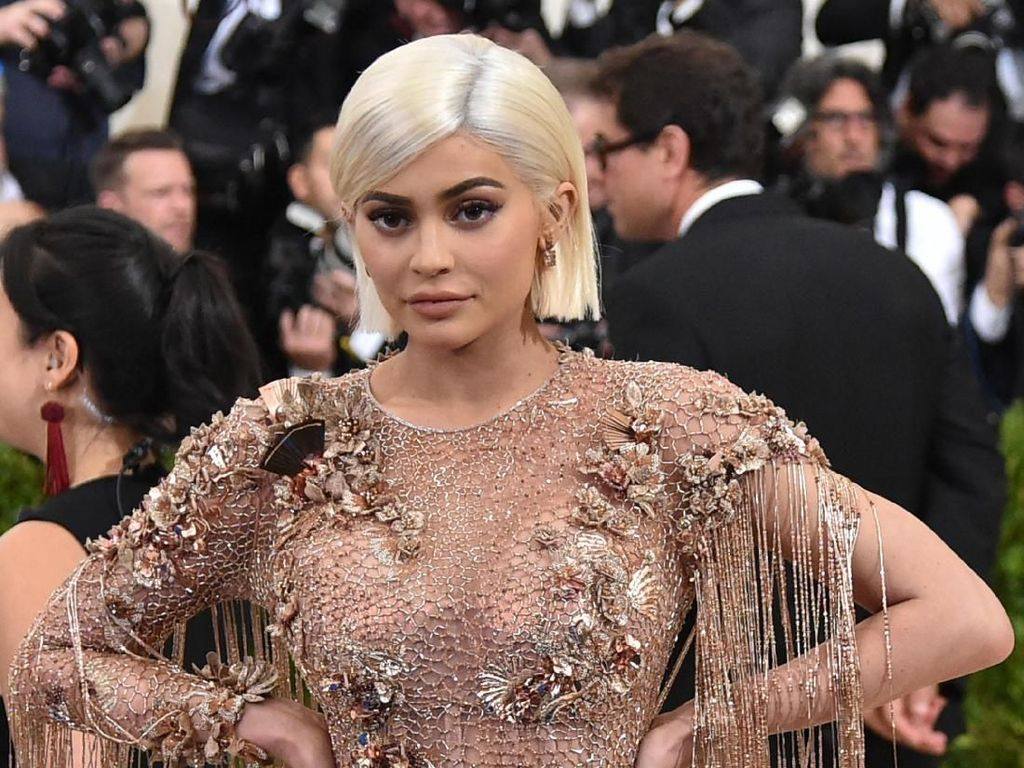 Pengakuan Mengejutkan, Kylie Jenner Tak Lagi Pakai Filler