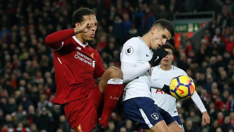 Lovren Masih Kesal dengan Dua Penalti Spurs di Anfield