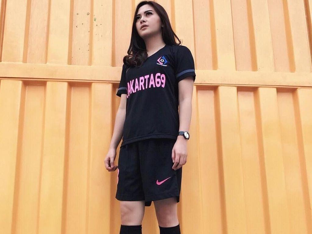 Intip Gaya Olahraga Violeta Mongi, Atlet Futsal Cantik Nan Jelita
