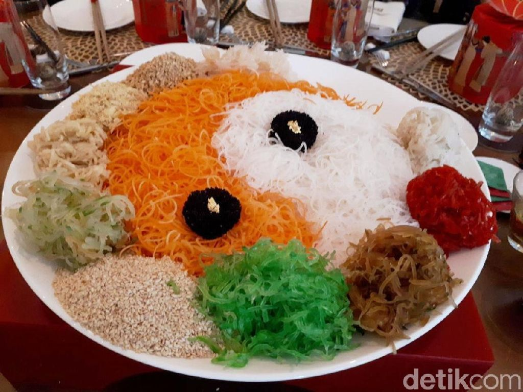 Serunya Meracik Yee Sang untuk Sambut Tahun Baru China!