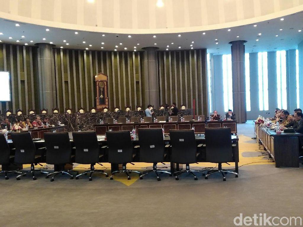 Rapat dengan MA, Komisi III Bahas Banyaknya Hakim yang  Di-OTT KPK