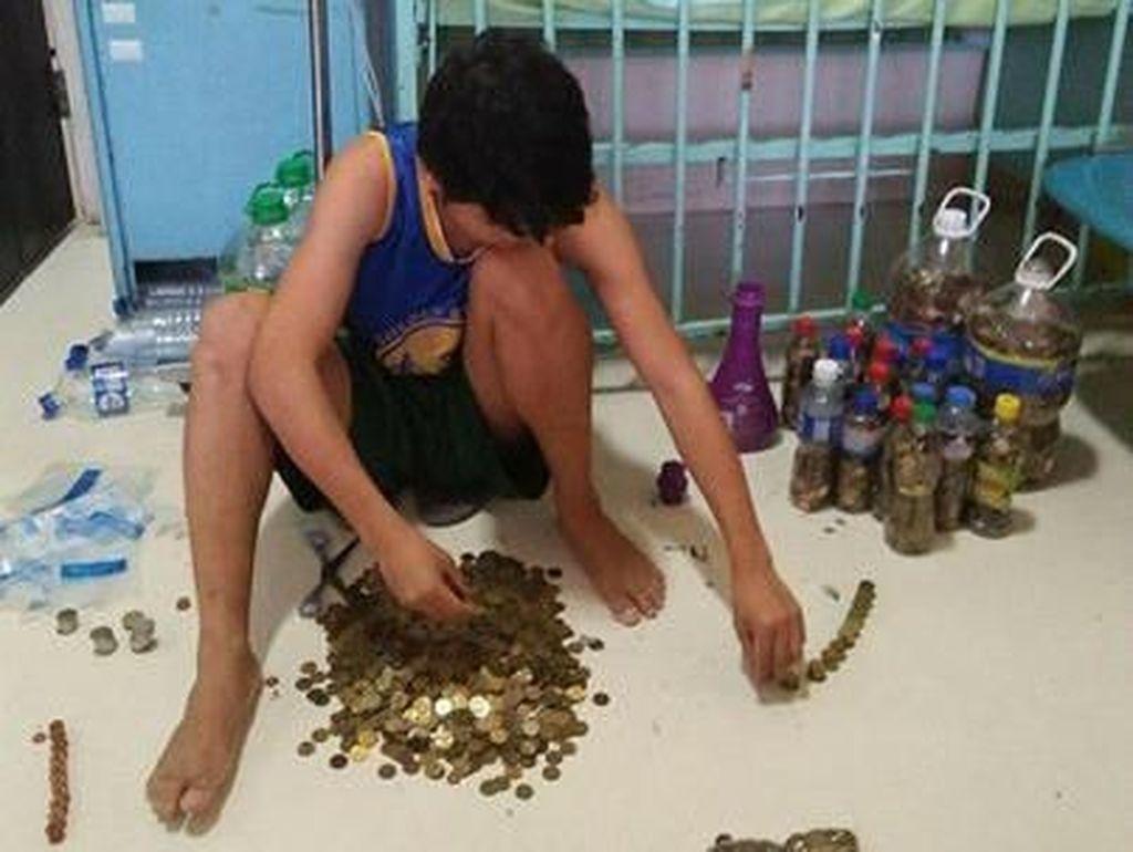 Kisah Haru Pria yang Menabung Uang Koin Demi Kesembuhan Putrinya