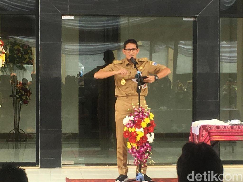 Resmikan Rumah Potong Unggas di Jakut, Sandi Beri Salam Kwek-kwek