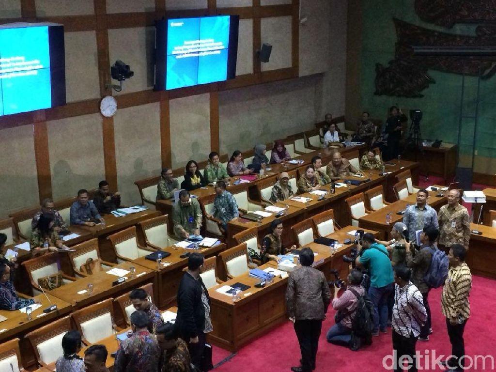 Bahas Ekonomi 2019, Sri Mulyani Cs Rapat dengan DPR