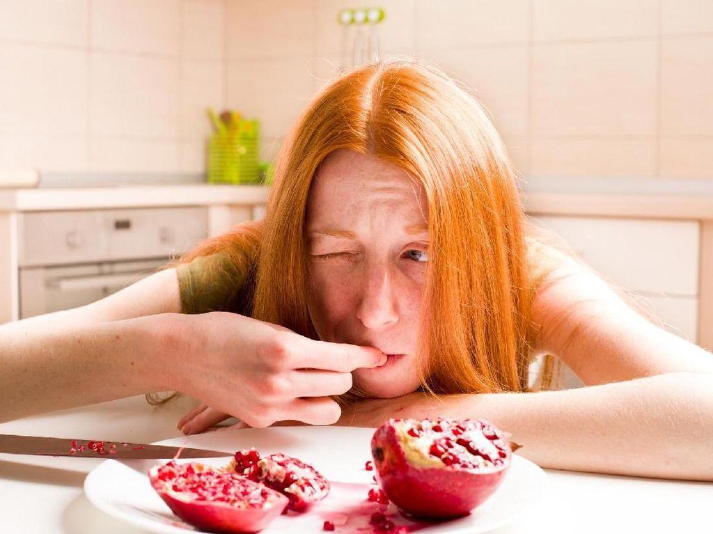 Makan Buah Delima Impor, Seorang Wanita Tewas Karena Hepatitis A