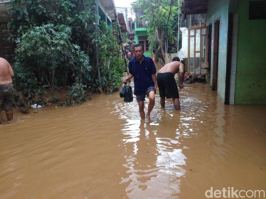 Warga Kampung Arus Siap Direlokasi, Sandi: Bukan Digusur Ya