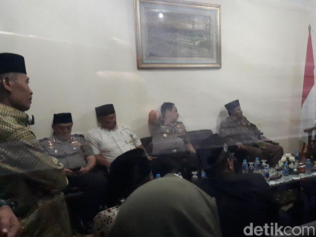 Kapolri Silaturahmi ke Kantor Syarikat Islam Indonesia di Jelambar